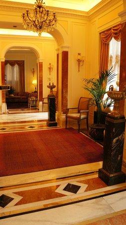Albergo del Senato: Foyer