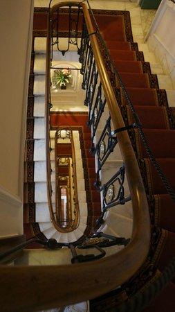Albergo del Senato: Beautiful staircase