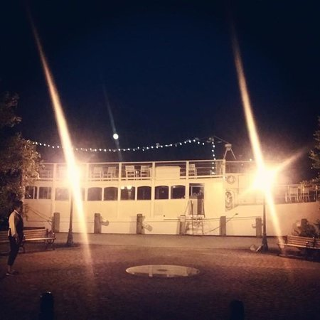 Chester River Packet Company : Illuminated at night