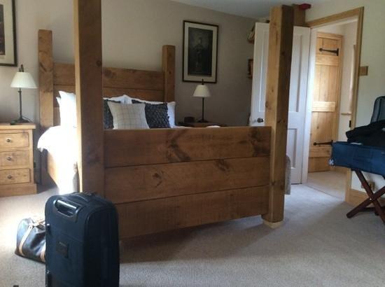 The Ebrington Arms: room 3