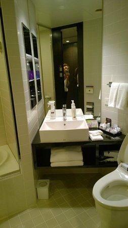 Mitsui Garden Hotel Ginza Premier: Bathroom