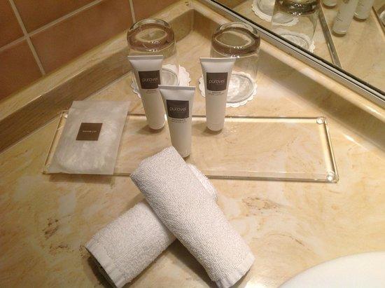 Swissôtel Bremen: Körperpflegeprodukte im Badezimmer