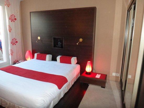 3.14 Hotel: camera asia
