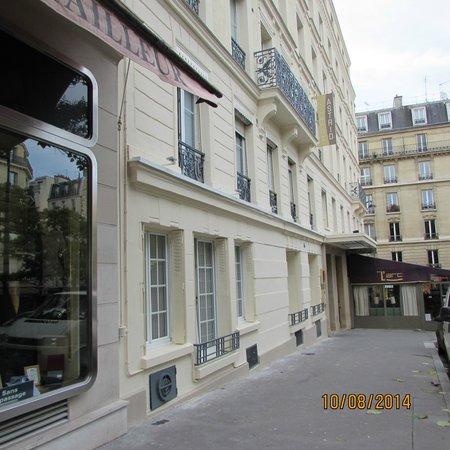 Hotel Astrid: fachada do hotel