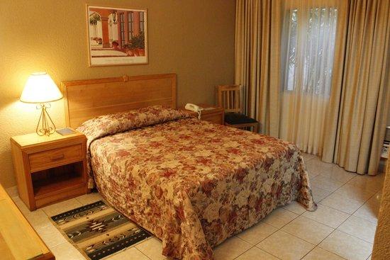 La Quinta Hotel: habitacion sencilla