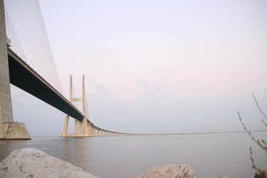 Vasco da Gama Bridge : impresionate puente