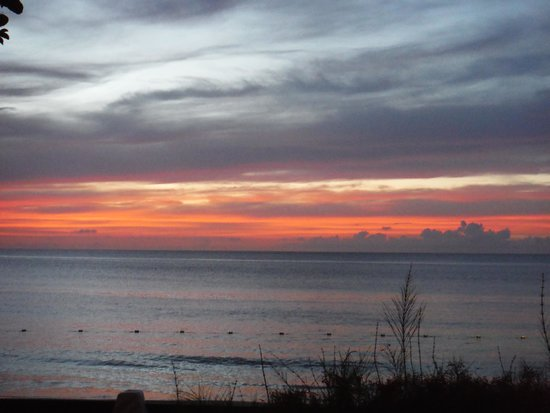 Sandals Halcyon Beach Resort : Beautiful Sunsetd over the beach