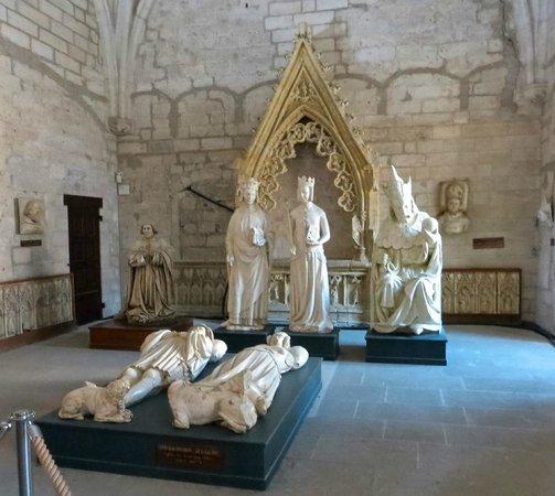 Pope's Palace (Palais des Papes): Sculpture at the Palais