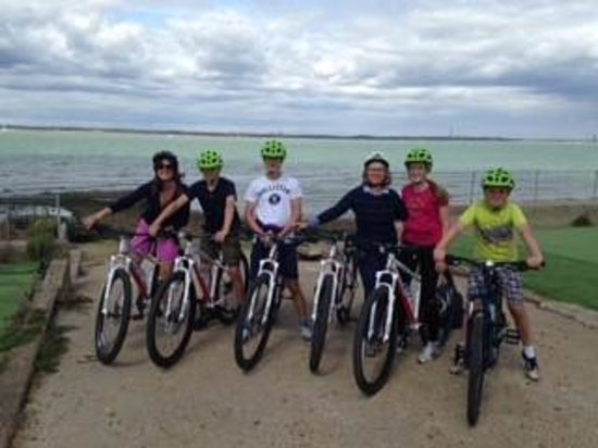 Island Cycling Adventures - Day Tours: Enjoying the cycle