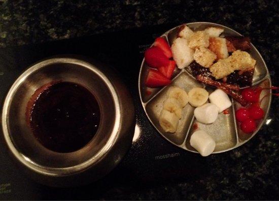 Simply Fondue: Chocolate fondue