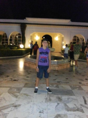 El Mouradi Palm Marina: la porte de l'hotel