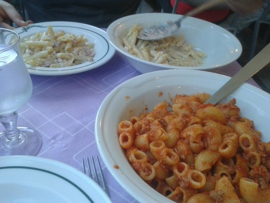 Spaghetteria Macaroni : penne panna e prosciutto