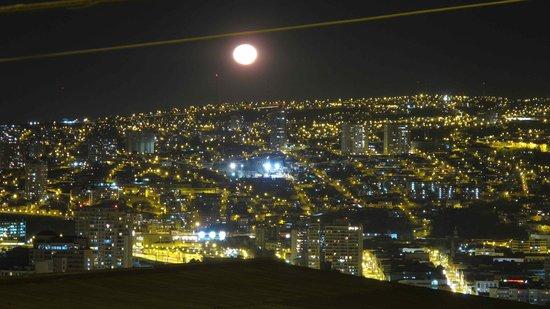 Casa Kreyenberg B&B: Vista de la luna llena desde el balcón