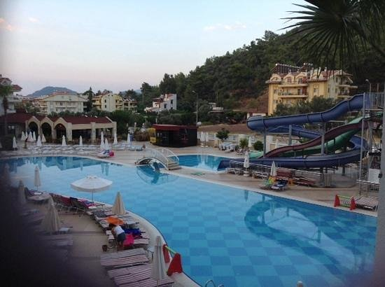 Grand Pasa Hotel: Pool Area At 6:30am