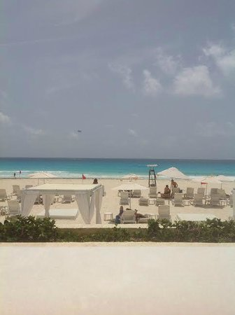Live Aqua Beach Resort Cancun: View from our cabana #5