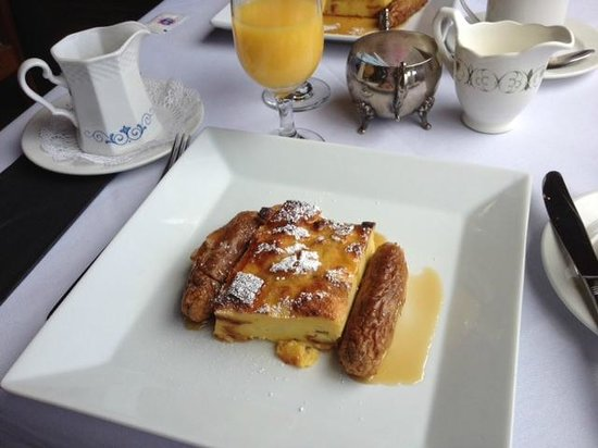 Knickerbocker Mansion Country Inn: Breakfast French Toast