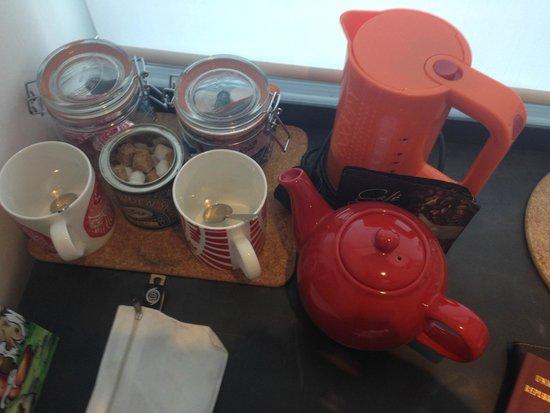 Grassmarket Hotel: Café, té, agua