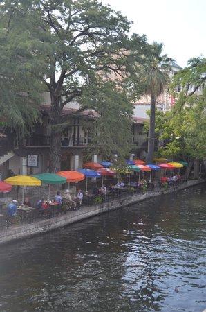 Embassy Suites by Hilton San Antonio Riverwalk-Downtown: SA Riverwalk