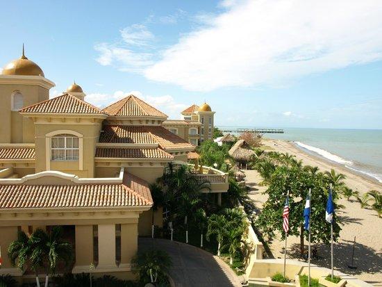 Quinta Real Hotel and Convention Center: vista a la playa