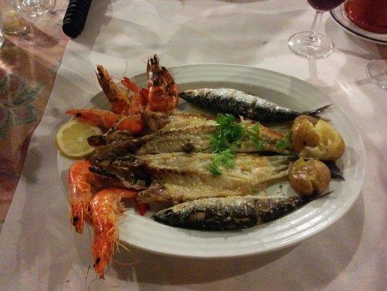 Pao de Trigo: Mixed seafood grill