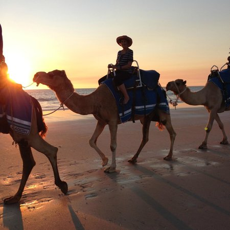 Cable Beach Club Resort & Spa: sunset camel ride