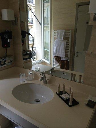 Hotel Residence Foch: wash room
