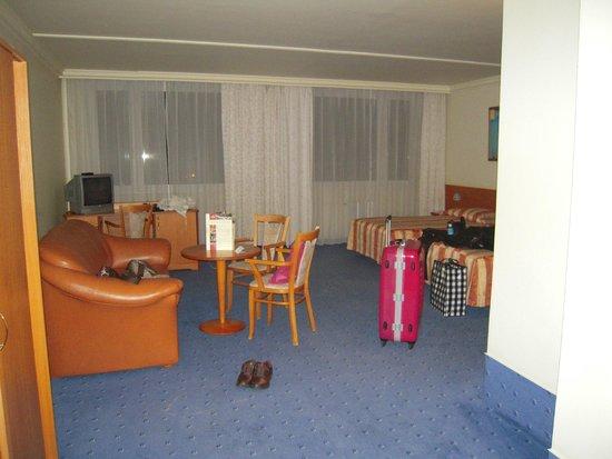 TOP HOTEL Praha: 広いルーム