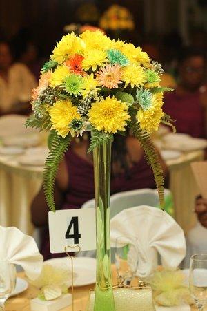 Mandeville Hotel: guest table center pieces