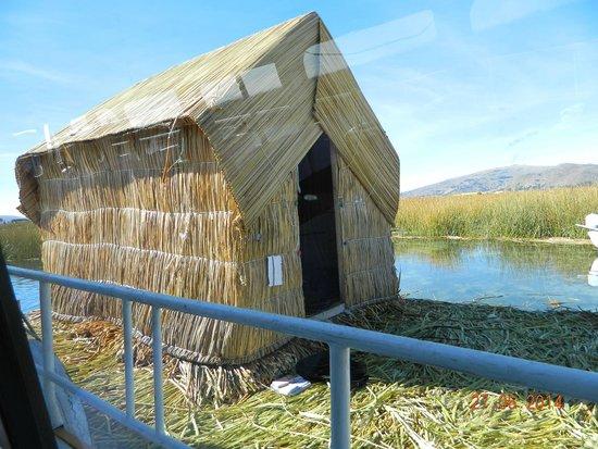 Ilhas de Uros: construccion
