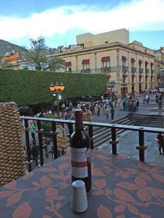 La Trattoria de Elena : View from balcony table overlooking the plaza garden
