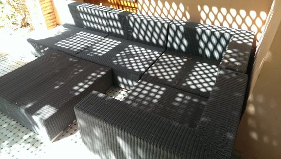 Palmeraie Village Residence: Outdoor seating which was dirty and unusable