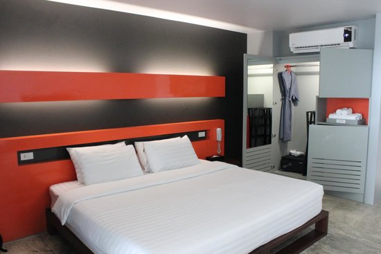 The COAST Resort - Koh Phangan : Deluxe Pool View Room