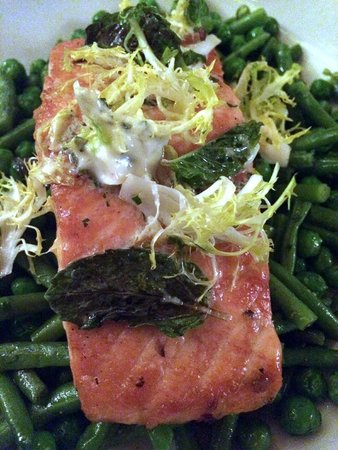 The Golden Bee: PAN ROASTED SCOTTISH SALMON