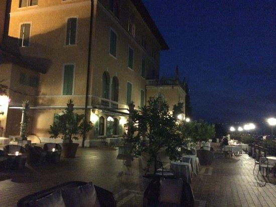 Hotel Villa del Sogno: Night