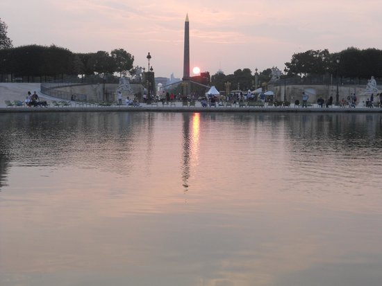 Villa Opera Drouot : Paris Obelisk Sunset