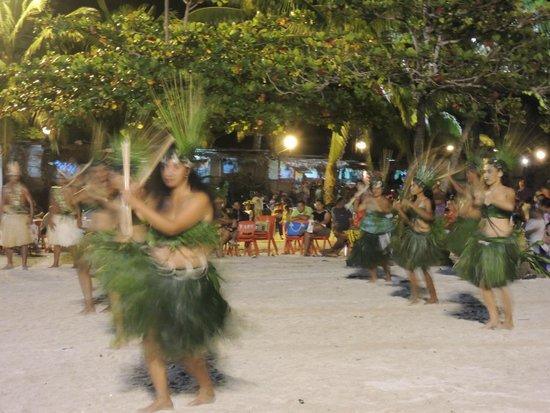 Hotel Atiapiti : cérémonies du Heiva avoisinantes
