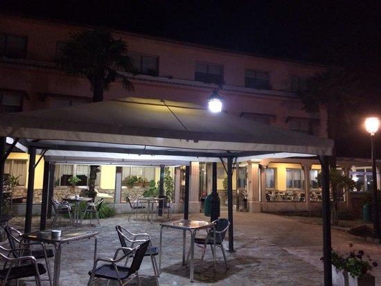 Hotel Garcas: Fachada