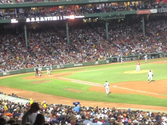 Fenway Park : Great to see a game at Fenway