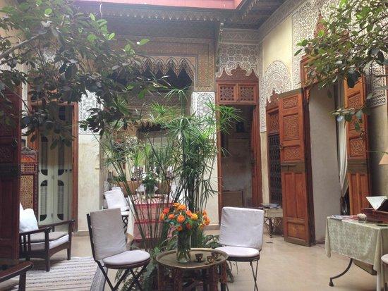 Riad Dar Zaya: Riad hall