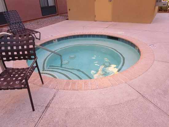 Homewood Suites by Hilton Las Vegas Airport: outdoor whirlpool
