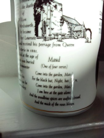 Brayford Guest House: one in mug collection in dining room