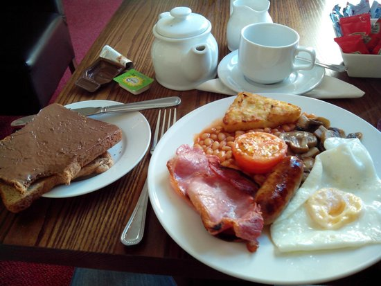 Brayford Guest House: English breakfast with nutella on toast