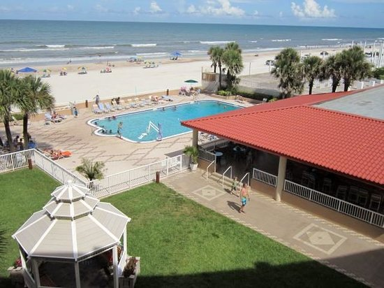 Holiday Inn Hotel & Suites Daytona Beach: Pool/beach