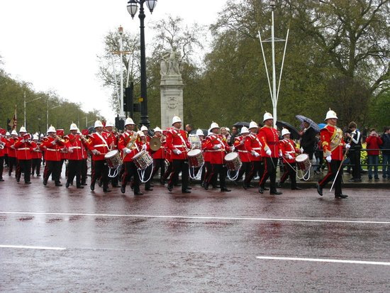 ‪‪Trooping the Colour‬: desfile‬