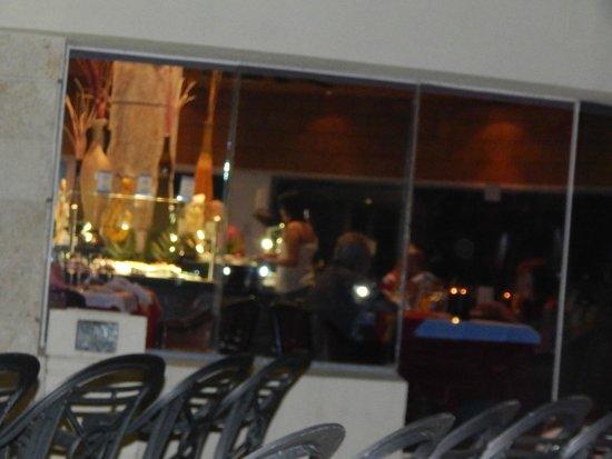 Barcelo Costa Cancun: Viendo uno de los restaurantes por fuera