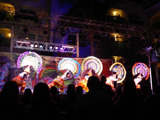 Barcelo Costa Cancun: Viva México Show, Espectácular