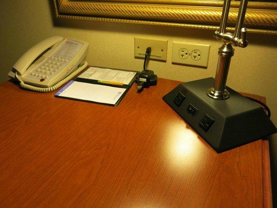 Hilton Garden Inn Cupertino: Workdesk