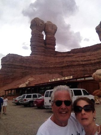 Twin Rocks Trading Post: Great spot on way to Grand Canyon!