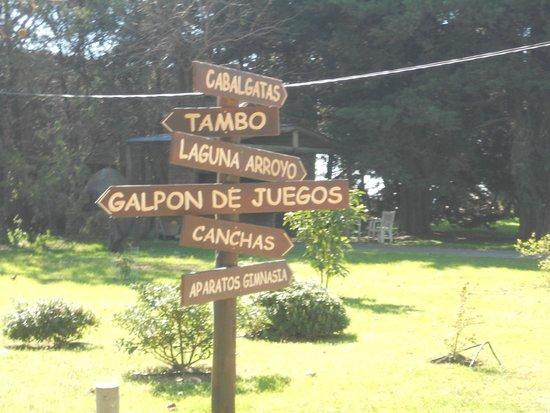 Estancia Don Joaquin: carteles