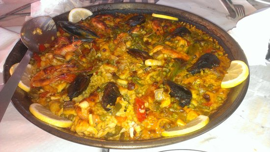 Chiringuito Pepes Bar: Paella de marisco.